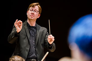 Whitman College orchestra conductor Paul Luongo